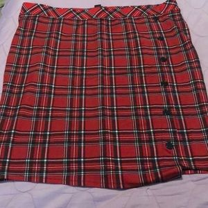 Red and black plaid pull-on pencil skirt